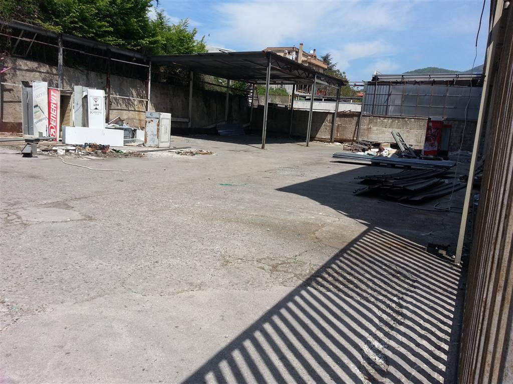 Capannone in vendita a Salerno, 9999 locali, zona Zona: Fratte, prezzo € 410.000 | Cambio Casa.it