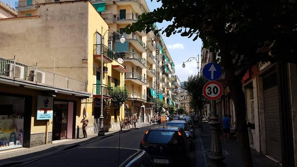 Attività / Licenza in affitto a Salerno, 1 locali, zona Zona: Torrione, prezzo € 600 | CambioCasa.it