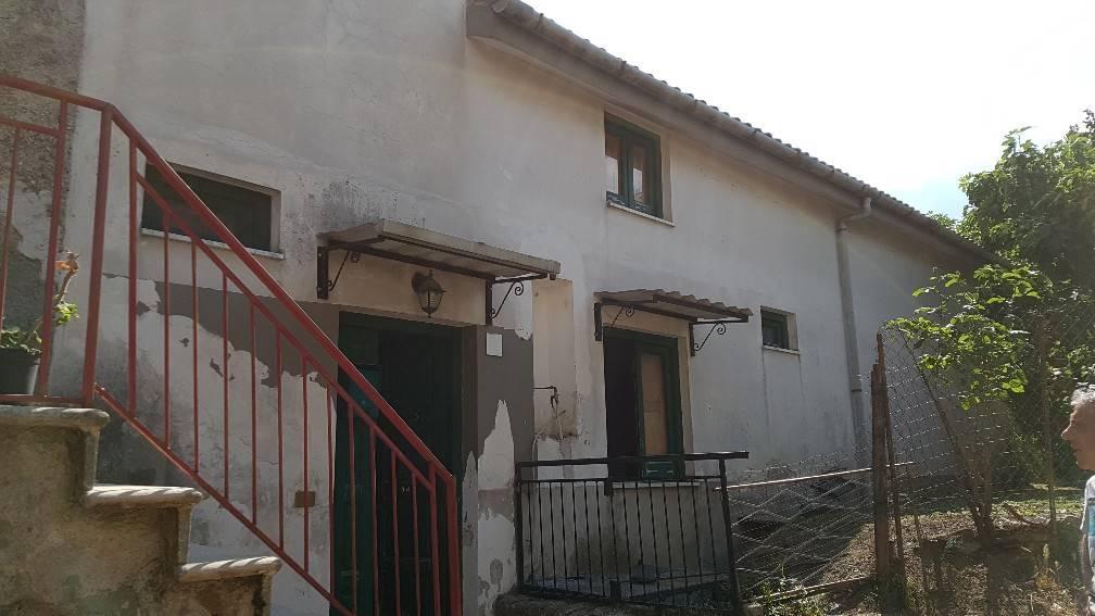 Soluzione Semindipendente in vendita a Giffoni Sei Casali, 3 locali, zona Località: SIETI, prezzo € 70.000 | CambioCasa.it