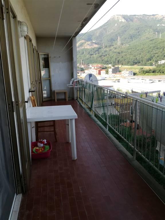 Appartamento in vendita a Pellezzano, 5 locali, zona Zona: Capezzano, prezzo € 175.000 | CambioCasa.it