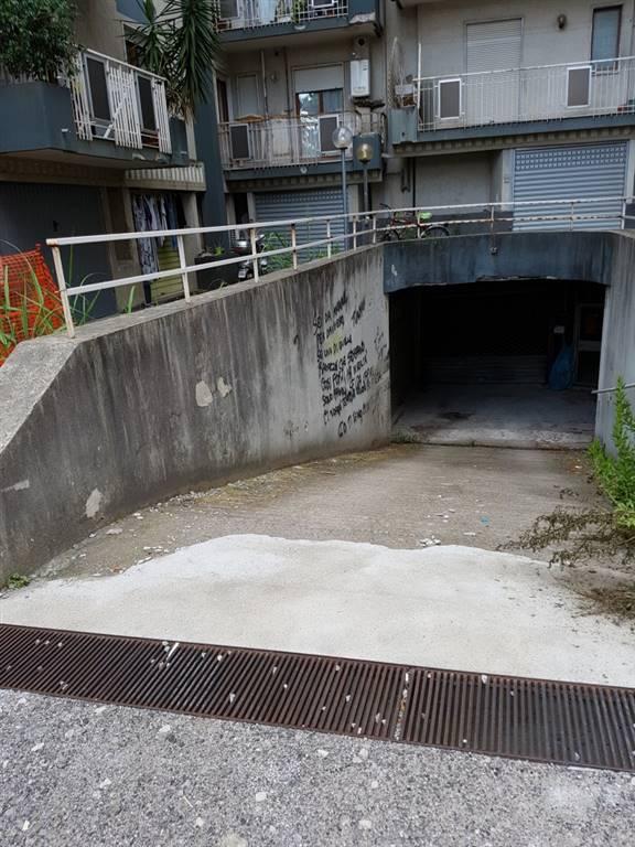 Box / Garage in vendita a Salerno, 1 locali, zona Zona: Torrione, prezzo € 35.000 | CambioCasa.it