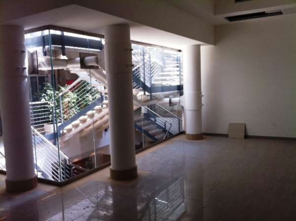 Negozio / Locale in affitto a Salerno, 1 locali, prezzo € 800   CambioCasa.it