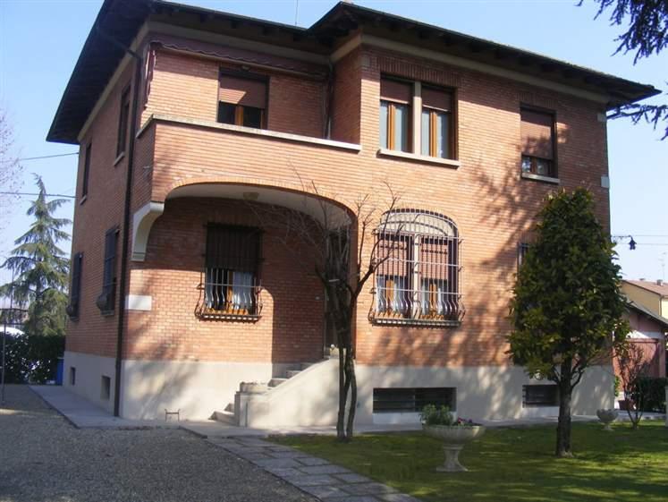 Soluzione Indipendente in vendita a Bentivoglio, 8 locali, prezzo € 399.000 | Cambio Casa.it