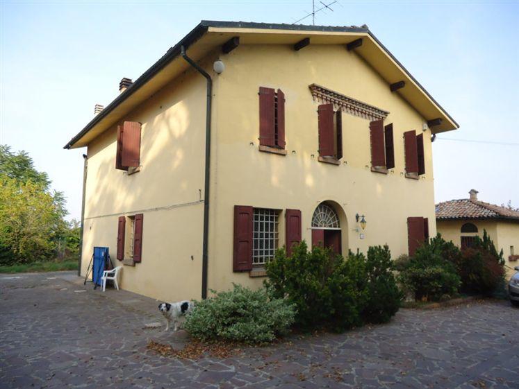 Soluzione Indipendente in vendita a Bentivoglio, 10 locali, zona Zona: San Marino, prezzo € 780.000 | Cambio Casa.it