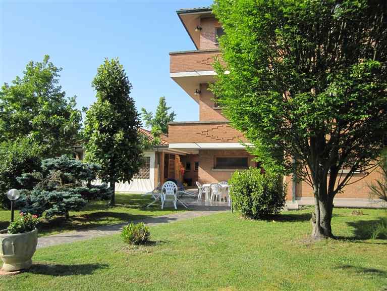 Soluzione Indipendente in vendita a Bentivoglio, 10 locali, Trattative riservate | Cambio Casa.it