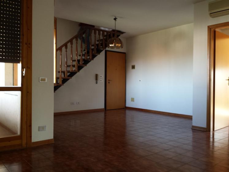 Appartamento in vendita a Bentivoglio, 5 locali, zona Zona: San Marino, prezzo € 179.000 | Cambio Casa.it