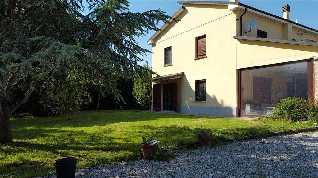 Soluzione Indipendente in vendita a San Pietro in Casale, 8 locali, zona Zona: Maccaretolo, prezzo € 449.000 | Cambio Casa.it