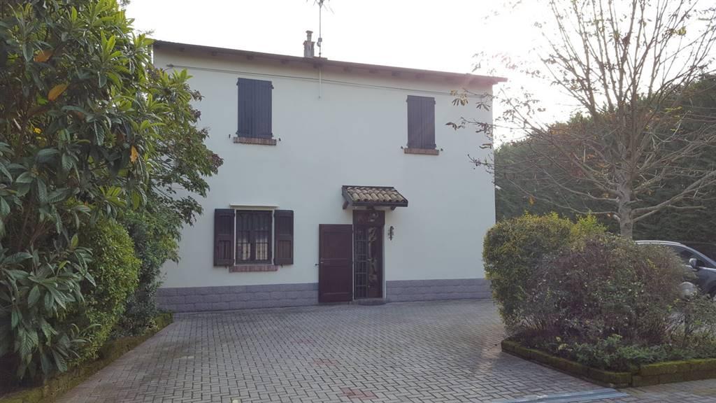 Soluzione Indipendente in vendita a Bentivoglio, 7 locali, prezzo € 365.000 | CambioCasa.it