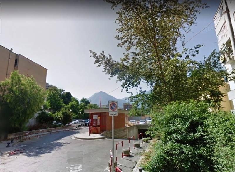 garage-Box-posto auto  in Affitto a Castellammare Di Stabia
