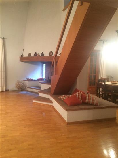 Villa in vendita a Vaiano, 10 locali, zona Zona: Schignano, prezzo € 550.000 | CambioCasa.it