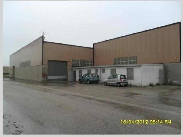 Capannone in vendita a Carmignano, 9 locali, zona Zona: Seano, prezzo € 1.000.000 | CambioCasa.it