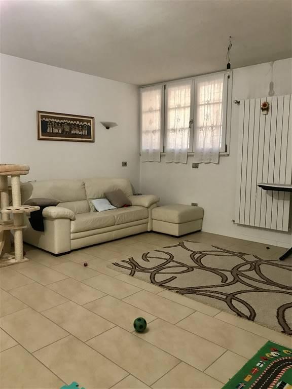 Soluzione Indipendente in affitto a Prato, 4 locali, zona Zona: Mezzana, prezzo € 800 | Cambio Casa.it