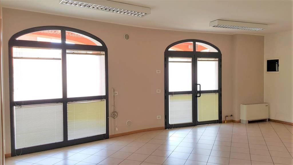 ufficio  in Affitto a Osio Sopra