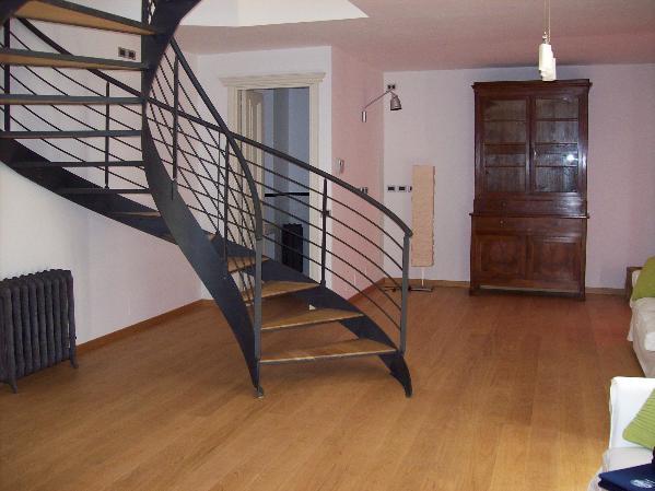 Villa in vendita a Cattolica, 4 locali, zona Località: CATTOLICA PIENO CENTRO A 50 MT DAL MARE, prezzo € 1.200.000 | CambioCasa.it