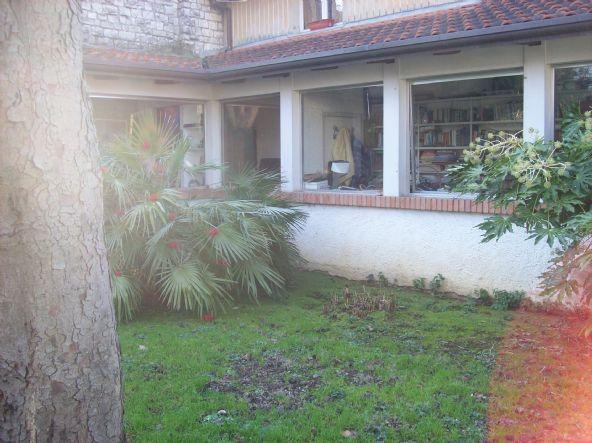 Villa in vendita a Cattolica, 10 locali, prezzo € 749.000 | CambioCasa.it
