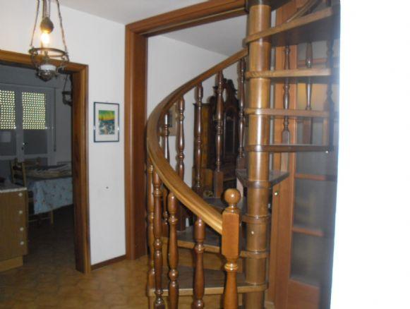 Soluzione Indipendente in vendita a Cattolica, 4 locali, prezzo € 380.000 | CambioCasa.it