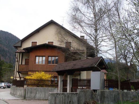 Soluzione Indipendente in vendita a Tarvisio, 20 locali, Trattative riservate | Cambio Casa.it
