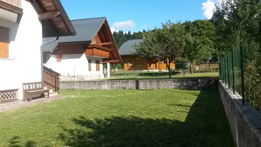 Villa Bifamiliare in vendita a Tarvisio, 5 locali, Trattative riservate | CambioCasa.it