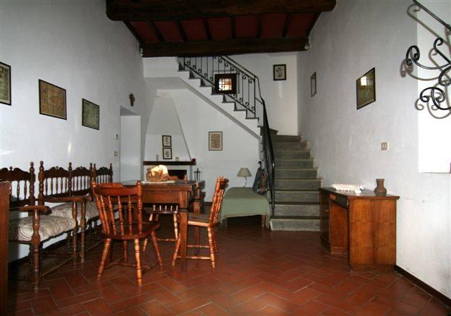Soluzione Indipendente in affitto a Vicchio, 5 locali, zona Località: LO SPINOSO, prezzo € 550 | Cambio Casa.it