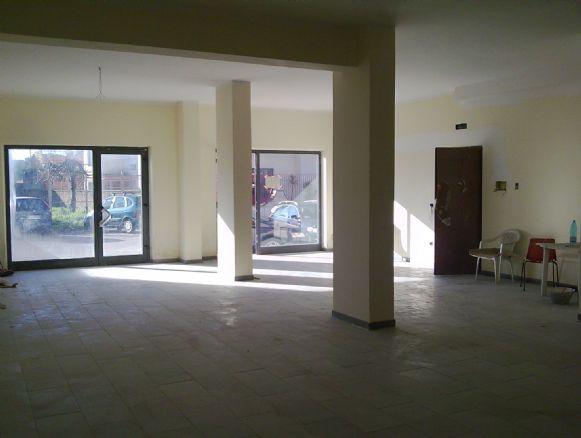 Negozio / Locale in affitto a Curti, 1 locali, prezzo € 580 | Cambio Casa.it