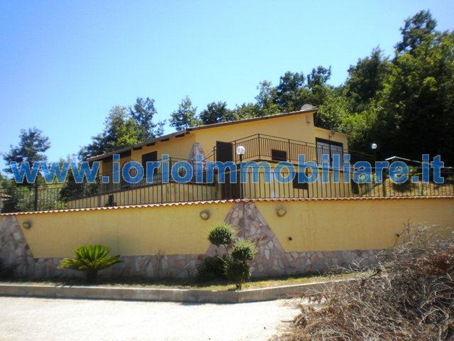 Villa in vendita a Liberi, 4 locali, prezzo € 220.000 | Cambio Casa.it