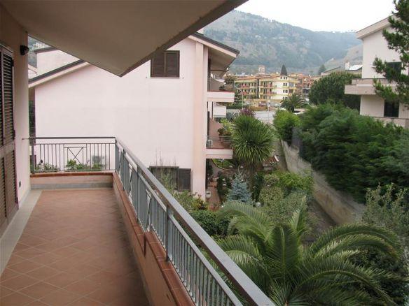 Villa in vendita a Caserta, 7 locali, zona Zona: Casolla, prezzo € 450.000 | CambioCasa.it