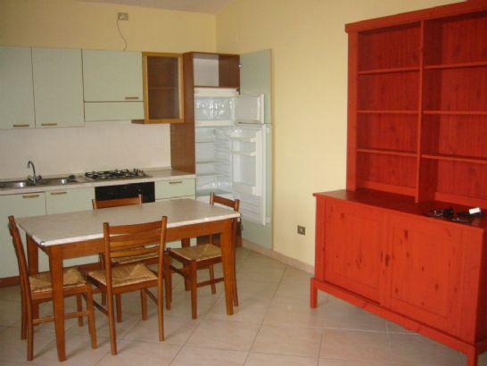 Attico / Mansarda in affitto a San Prisco, 3 locali, prezzo € 400 | Cambio Casa.it
