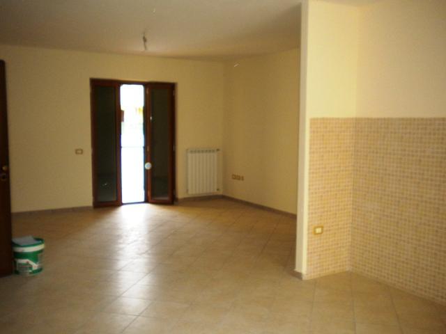 Appartamento in vendita a Pastorano, 4 locali, prezzo € 125.000 | CambioCasa.it