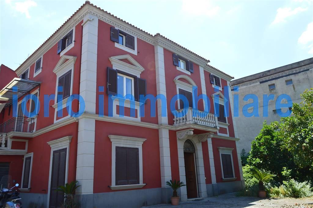 Villa in vendita a San Prisco, 9 locali, prezzo € 480.000 | Cambio Casa.it