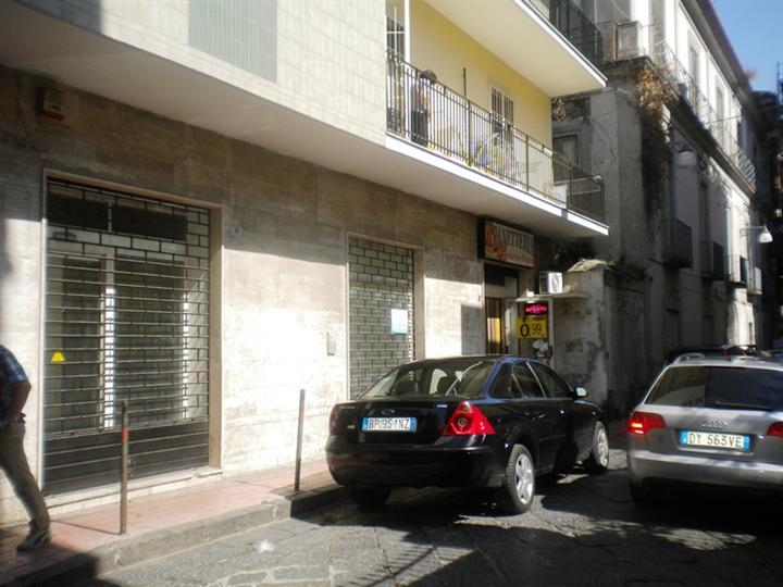 Negozio / Locale in Affitto a Santa Maria Capua Vetere