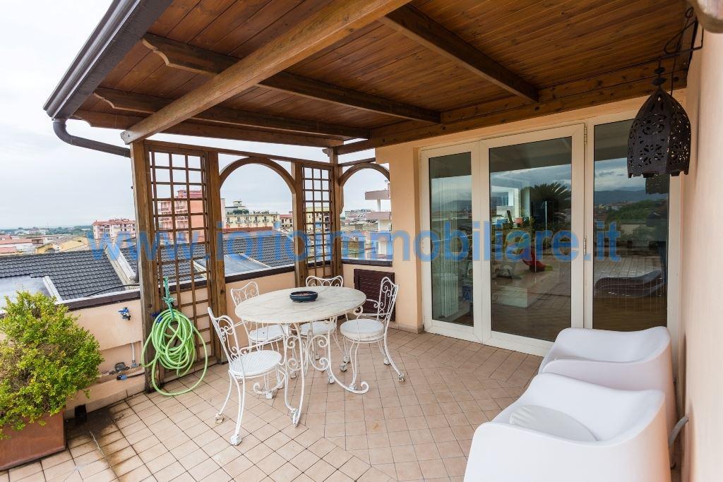 Attico / Mansarda in vendita a Santa Maria Capua Vetere, 5 locali, prezzo € 300.000 | Cambio Casa.it