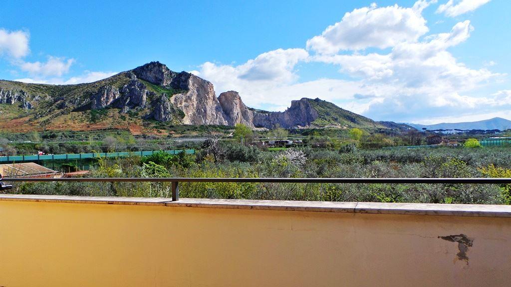 Appartamento in vendita a San Prisco, 4 locali, prezzo € 160.000 | Cambio Casa.it