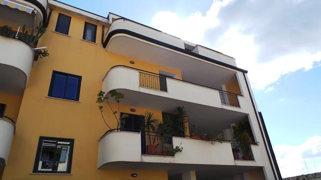 Appartamento in vendita a San Prisco, 4 locali, prezzo € 145.000 | CambioCasa.it