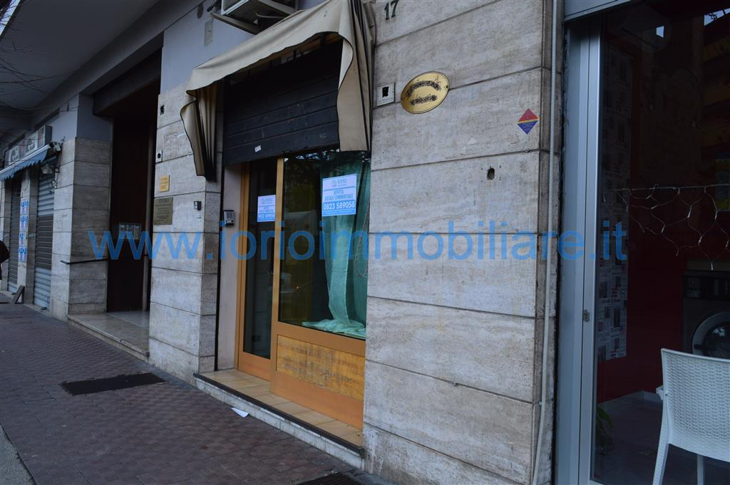 Negozio / Locale in affitto a Caserta, 1 locali, zona Località: CASERTA FERRARECCE - ACQUAVIVA-LINCOLN, prezzo € 440 | Cambio Casa.it