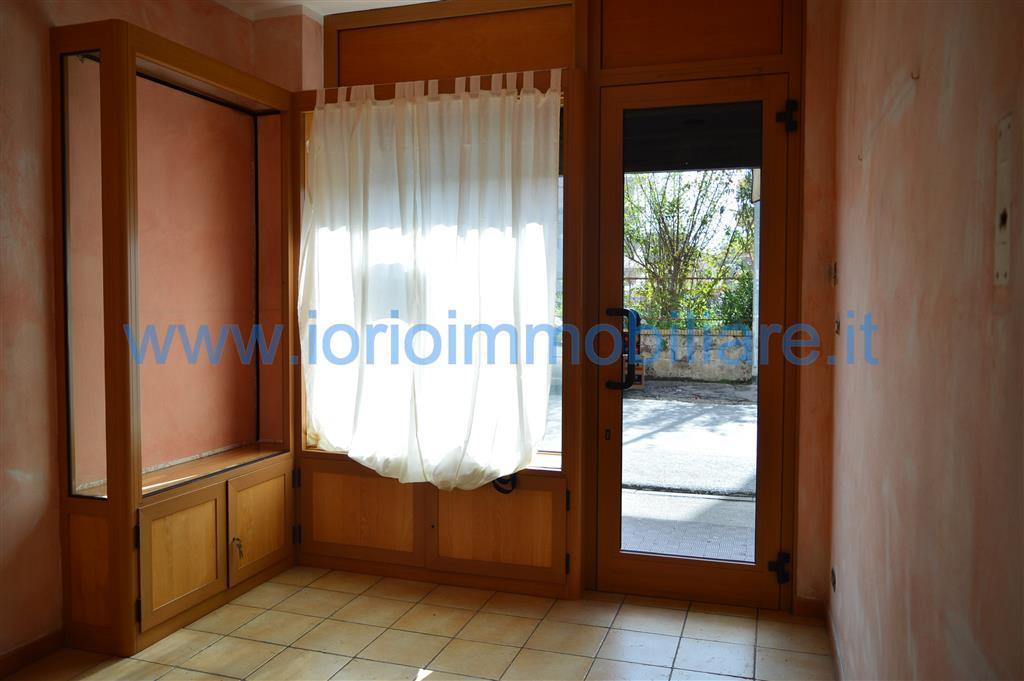 Negozio / Locale in affitto a Caserta, 1 locali, zona Località: CASERTA FERRARECCE - ACQUAVIVA-LINCOLN, prezzo € 440 | CambioCasa.it