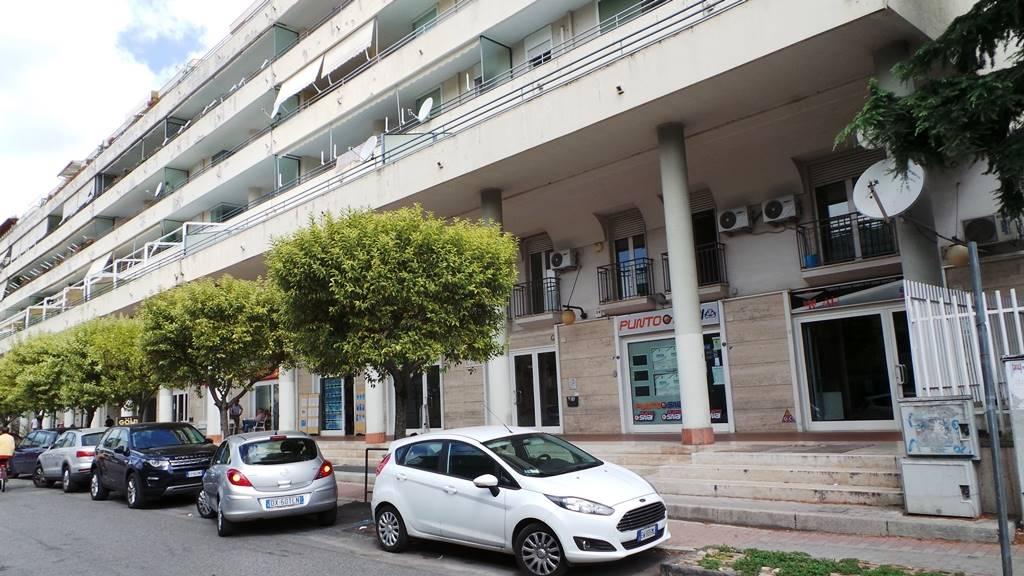 Box / Garage in vendita a Caserta, 1 locali, zona Zona: San Benedetto, prezzo € 30.000 | CambioCasa.it