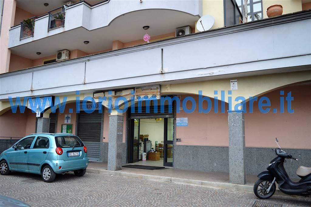 Negozio / Locale in affitto a Santa Maria Capua Vetere, 9999 locali, prezzo € 550   CambioCasa.it