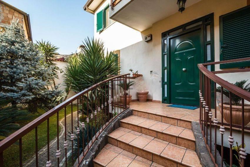 Villa in vendita a Santa Maria Capua Vetere, 5 locali, prezzo € 335.000 | Cambio Casa.it