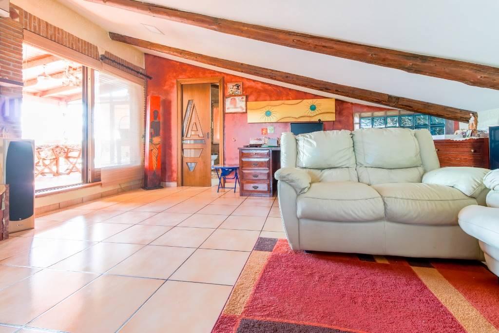 Appartamento in vendita a San Tammaro, 7 locali, prezzo € 165.000 | Cambio Casa.it
