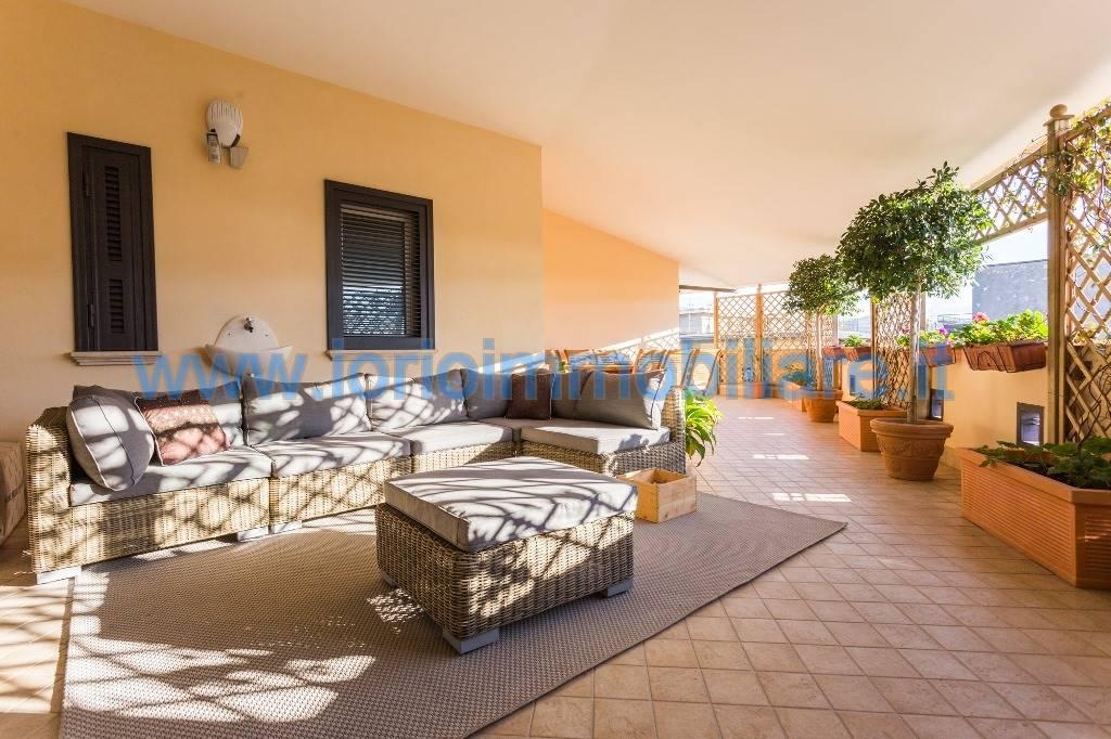 Attico / Mansarda in affitto a Santa Maria Capua Vetere, 3 locali, prezzo € 630 | Cambio Casa.it