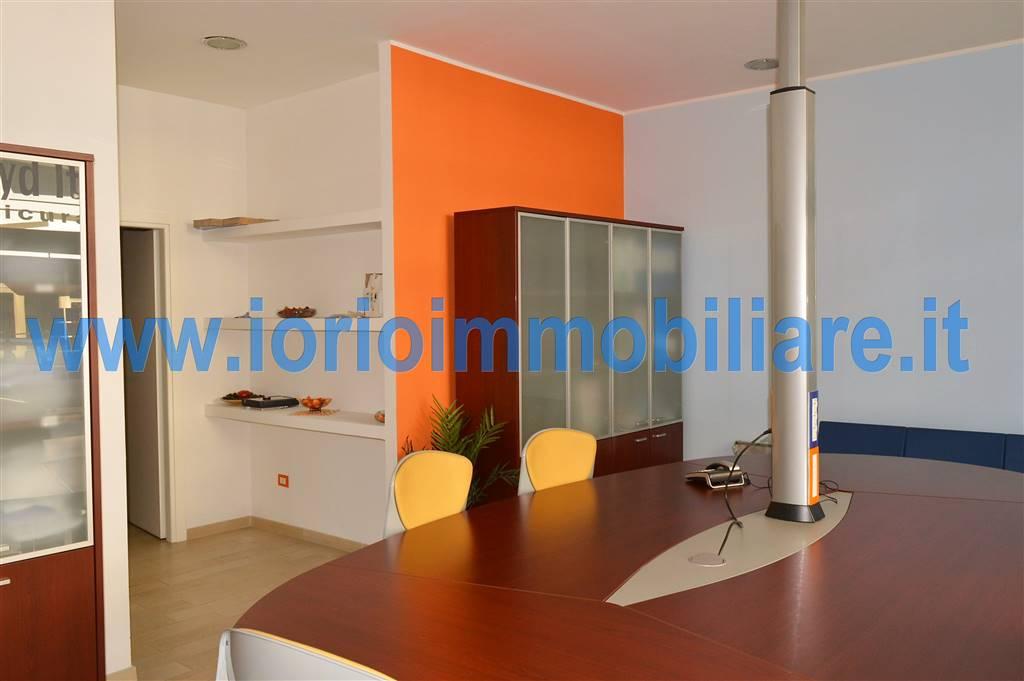 Negozio / Locale in affitto a Santa Maria Capua Vetere, 2 locali, prezzo € 500 | Cambio Casa.it