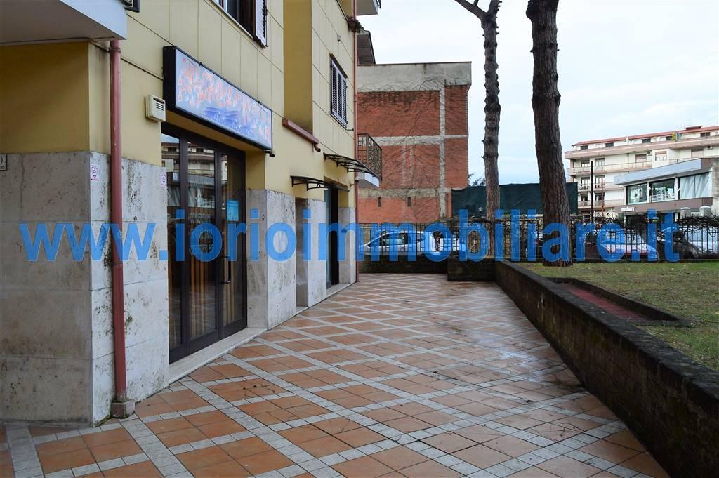 Negozio / Locale in affitto a Caserta, 2 locali, zona Località: CASERTA 2 - (CENTURANO -CERASOLA -167, prezzo € 650 | Cambio Casa.it
