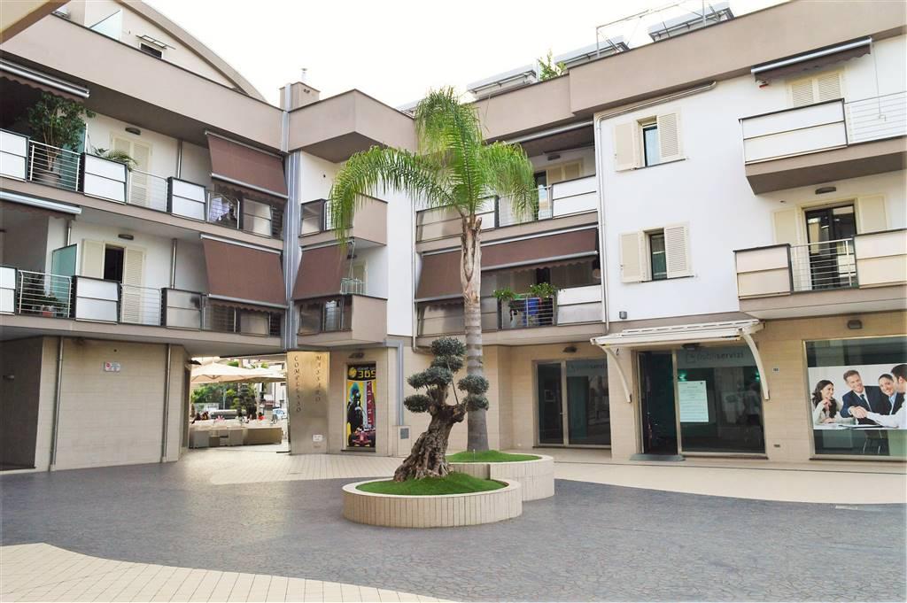 Appartamento in vendita a San Prisco, 3 locali, prezzo € 165.000 | CambioCasa.it