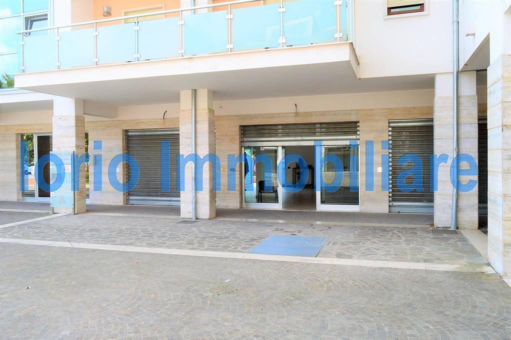 Negozio / Locale in affitto a Santa Maria Capua Vetere, 1 locali, prezzo € 1.100 | Cambio Casa.it