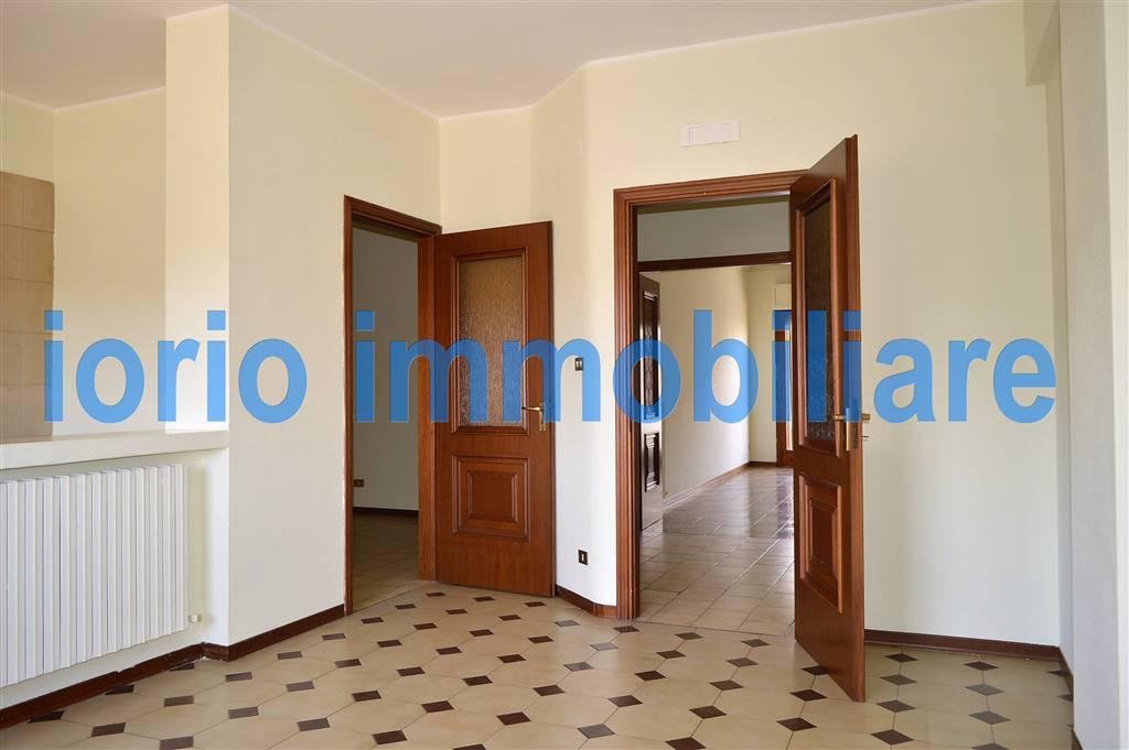Appartamento in affitto a Santa Maria Capua Vetere, 4 locali, prezzo € 450 | CambioCasa.it