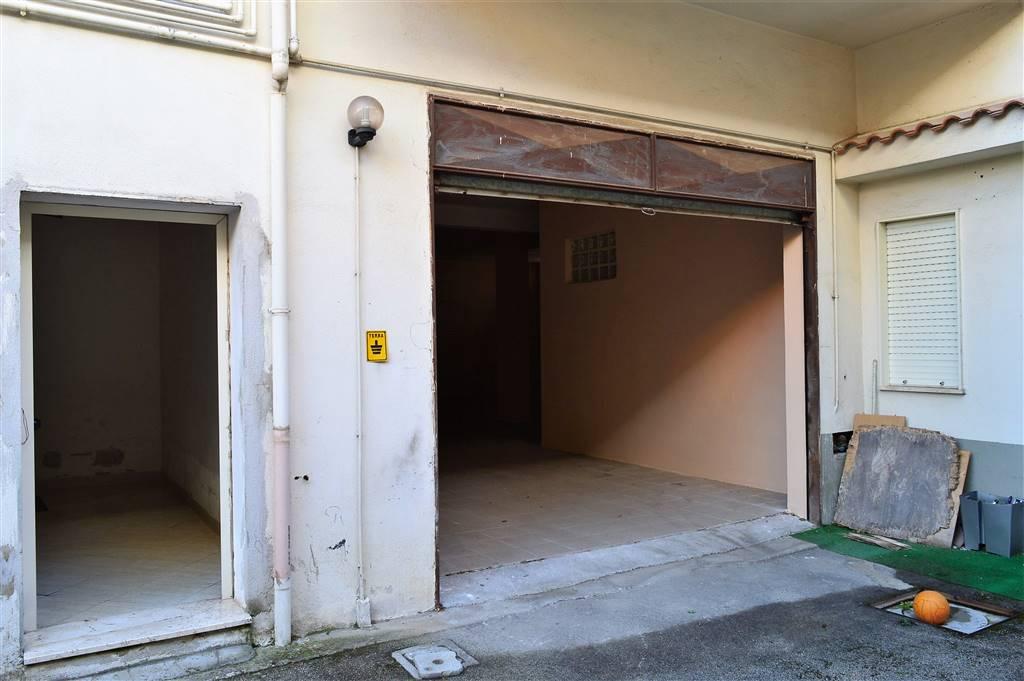 magazzino-deposito  in Affitto a San Prisco