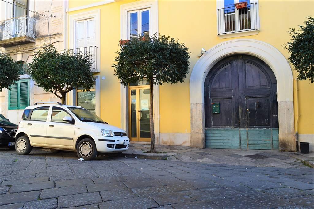 negozio  in Affitto a Santa Maria Capua Vetere
