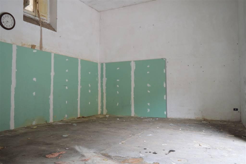 magazzino-deposito  in Affitto a Santa Maria Capua Vetere