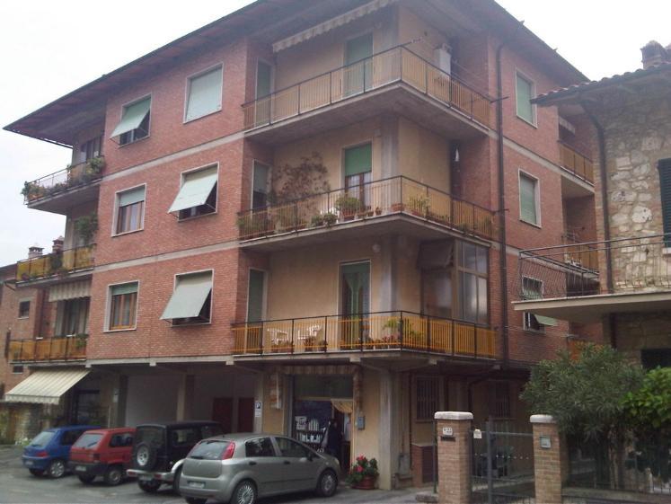 Appartamento in vendita a San Quirico d'Orcia, 5 locali, prezzo € 195.000 | Cambio Casa.it