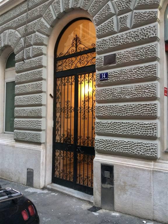 Attico / Mansarda in vendita a Trieste, 3 locali, zona Zona: Semicentro, prezzo € 250.000 | CambioCasa.it